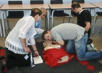Erste Hilfe bei Säuglings- und Kindernotfällen - Grundkurs - Wiener Rotes Kreuz